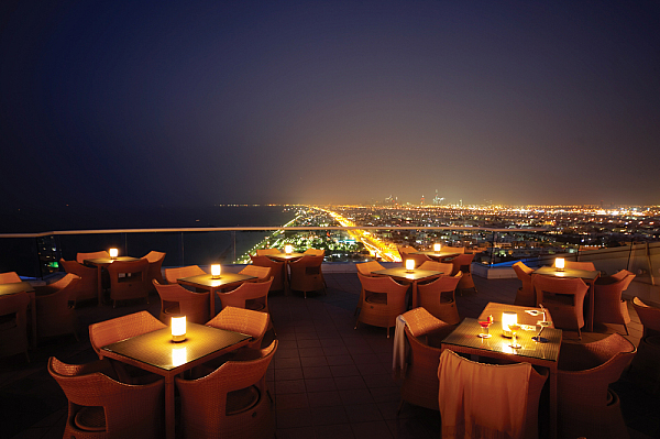 Jumeirah Beach Hotel 5* (Джумейра бич Отель)